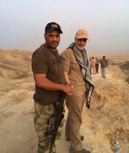 Head of the Quds Force, Qassem Suleimani (right), in Amerli after its conquest by Shi'a militias with U.S. air support