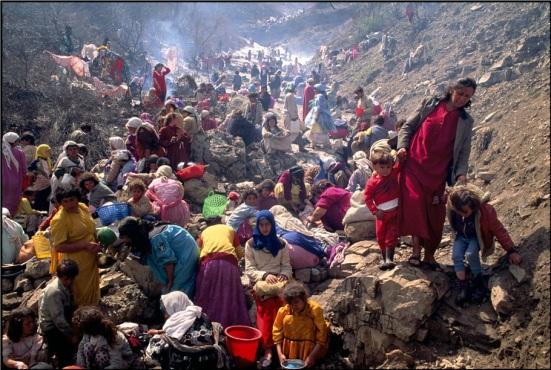 Kurds fleeing Iraq in 1991