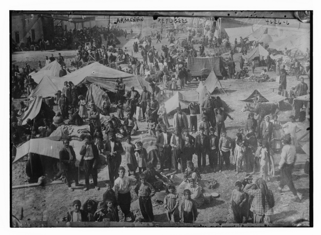 An Armenian camp in Deir Ezzor. (Picture by Jesse B. Jackson, a U.S. Consul who brought aid to the Syrian camps saving thousands of Armenians.)