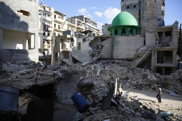 Devastation of the Ibrahim al-Khalil mosque in Tareeq al Bab after Assad's barrel bombs, Aleppo, April 2015 (source)